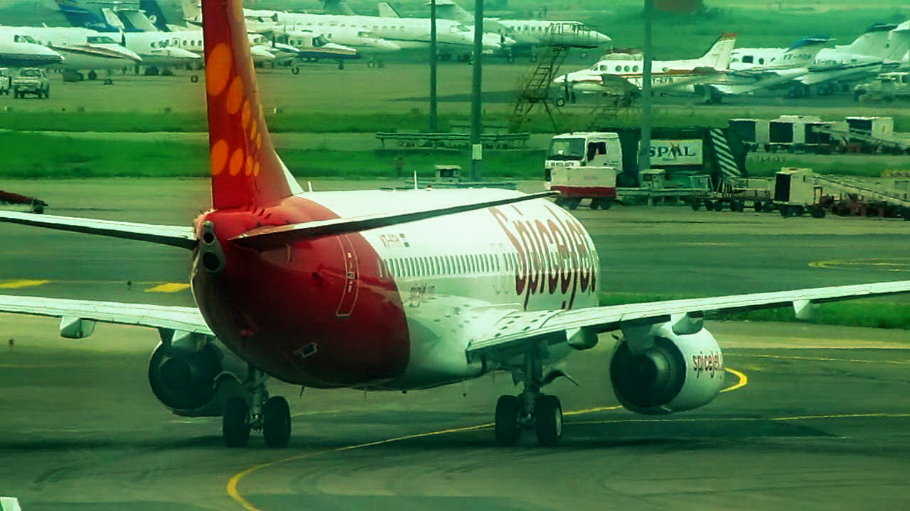 Spice Jet 12thAnniversary Sale for Flight Ticket Booking